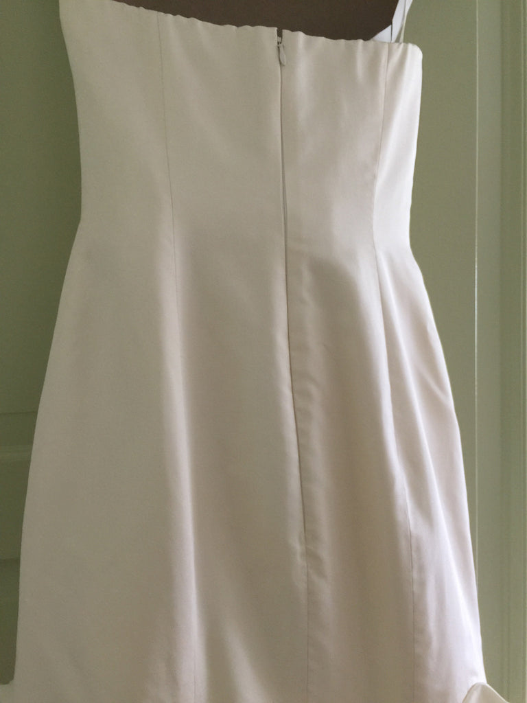Vera Wang 'Ivory Dress' - Vera Wang - Nearly Newlywed Bridal Boutique - 5