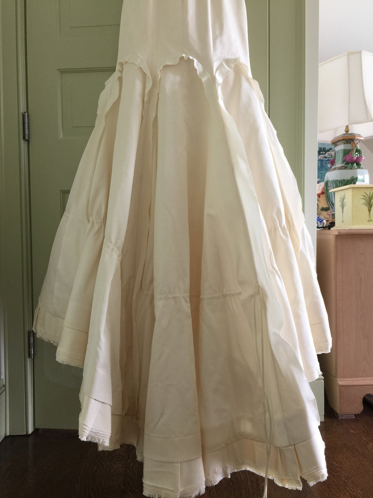Vera Wang 'Ivory Dress' - Vera Wang - Nearly Newlywed Bridal Boutique - 6