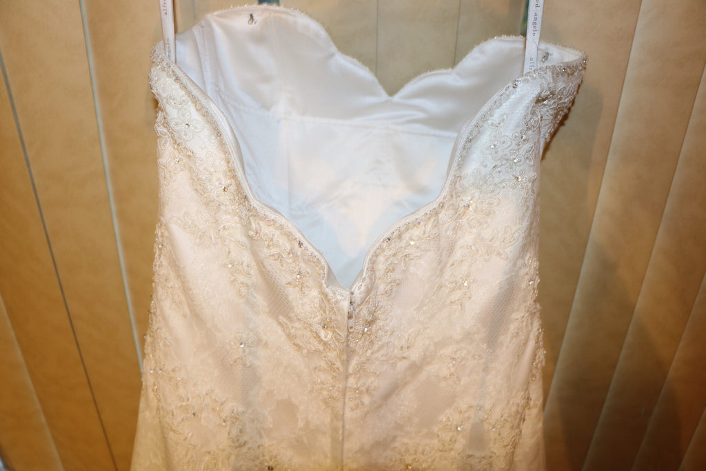 Alred Angelo '801' - alfred angelo - Nearly Newlywed Bridal Boutique - 5