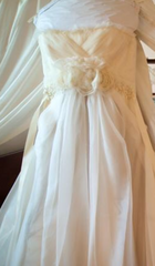 Vera Wang '12147' size 8 used wedding dress front view on hanger