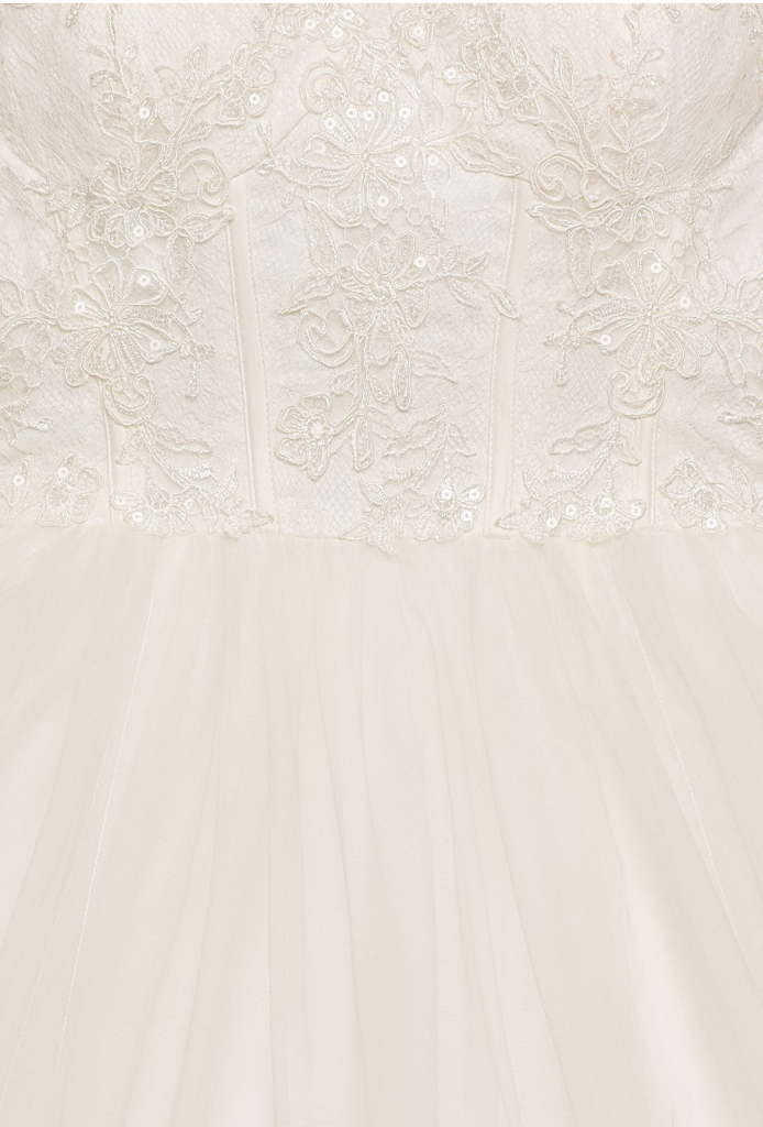 David's Bridal 'Tulle Lace' size 18 new wedding dress close up of fabric