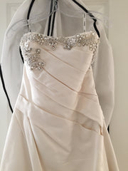 Enzoani 'Deanna' size 8 used wedding dress front view on hanger