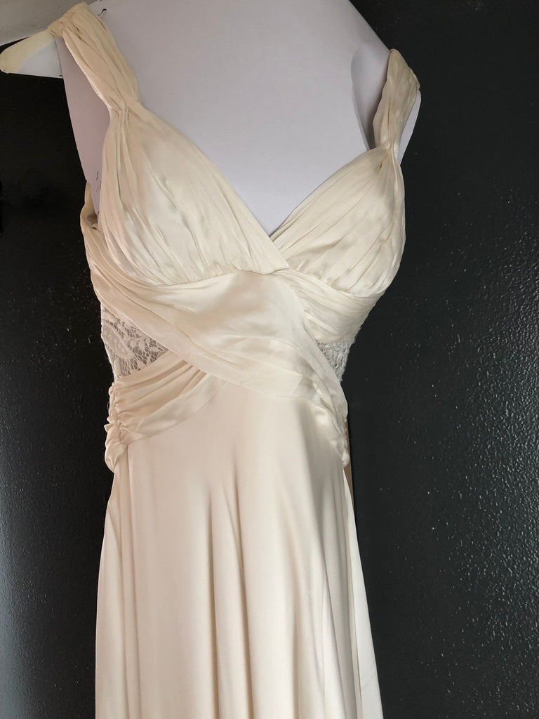 Theia 'Romantic' size 4 used wedding dress front view on hanger