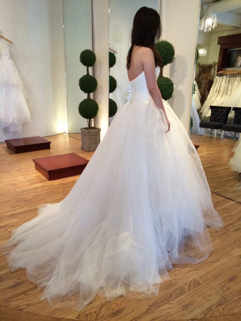 Vera Wang 'Octavia' - Vera Wang - Nearly Newlywed Bridal Boutique - 3