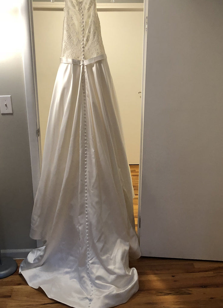 Allure Bridals 'Romance' size 14 new wedding dress back view on hanger