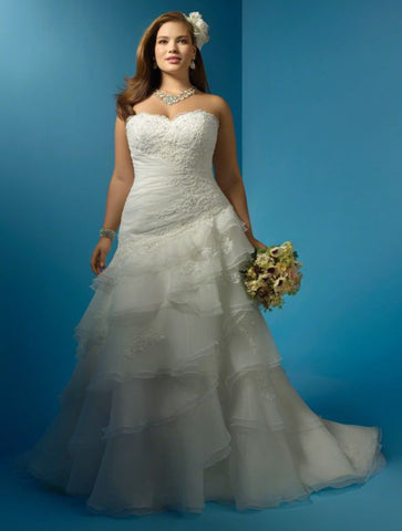 Alfred Angelo '2123'