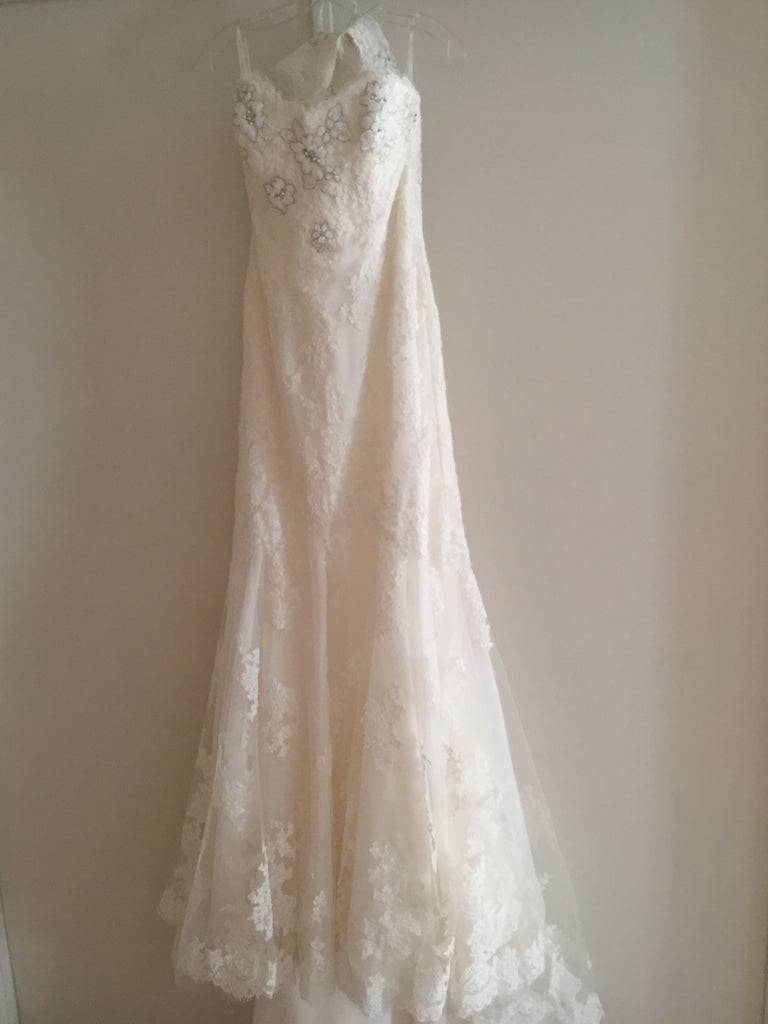 Enzoani 'Fiji-D' size 6 new wedding dress back view on hanger