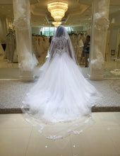 Load image into Gallery viewer, Allure '9142' size 6 new wedding dress back view on bride