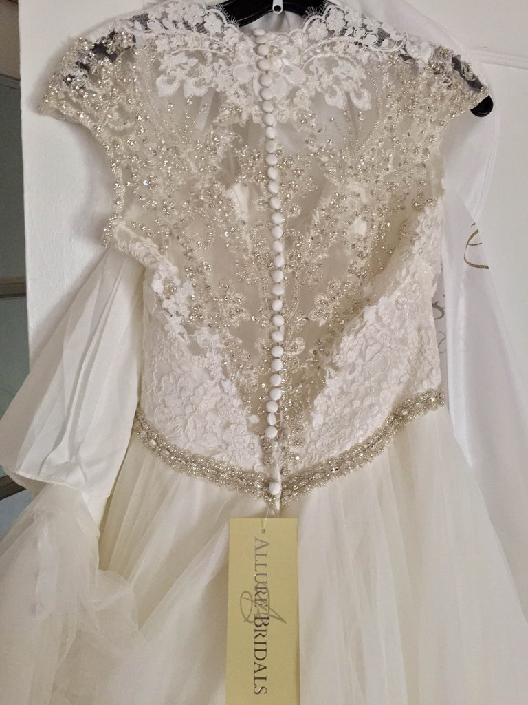 Allure '9142' size 6 new wedding dress back back view on hanger