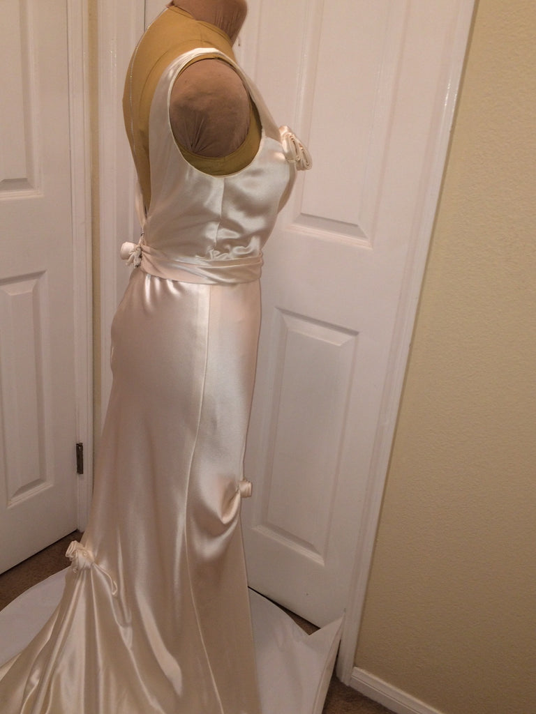 Elizabeth Fillmore 'V Dress' - Elizabeth Fillmore - Nearly Newlywed Bridal Boutique - 3