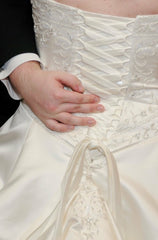 Da Vinci '8221' size 14 used wedding dress back view on bride