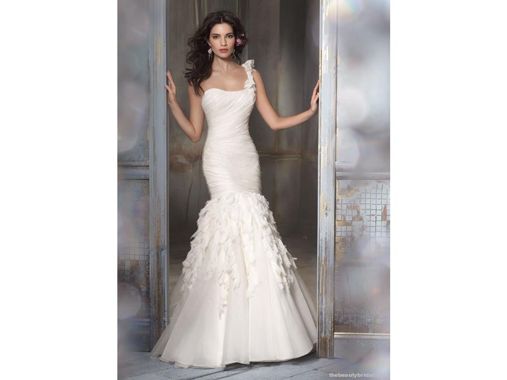Jim Hjelm '8108' size 10 used wedding