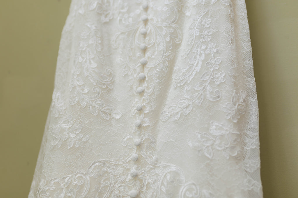 Essence of Australia 'Sexy Lace' size 6 used wedding dress view of body of dress