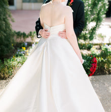 Load image into Gallery viewer, Pronovias 'Enza' size 8 used wedding dress back view on bride