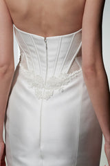 Kenneth Pool 'Milani' size 6 sample wedding dress back view close up on bride