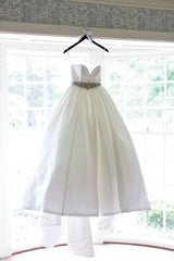 Essence of Australia 'Classic' - essence of australia - Nearly Newlywed Bridal Boutique - 1