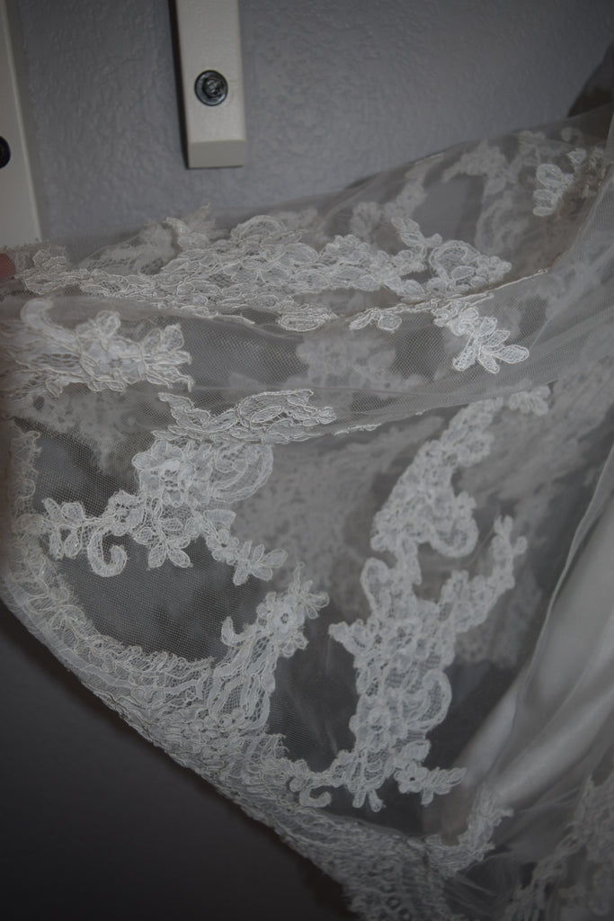 Maggie Sottero 'Cynthia' size 14 new wedding dress view of lace material
