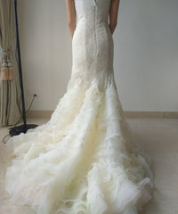 Vera Wang 'Leda' size 6 used wedding dress back view on bride