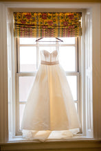 Load image into Gallery viewer, Amsale 'Cameron' - Amsale - Nearly Newlywed Bridal Boutique - 3