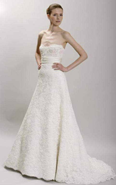 Monique Lhuillier 'Angelina' Ivory Lace Wedding Gown - Monique Lhuillier - Nearly Newlywed Bridal Boutique - 1