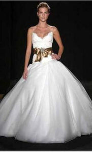 Monique Lhuillier 'Swan Lake' - Monique Lhuillier - Nearly Newlywed Bridal Boutique - 8