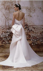 Monique Lhuillier 'Portia' size 4 used wedding dress back view on model