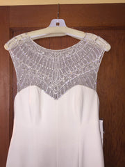 Nicole Miller 'Lily' size 6 new wedding dress front view of neckline