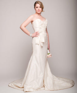Elizabeth Fillmore 'Analise' Ivory Taffeta Wedding Dress - Elizabeth Fillmore - Nearly Newlywed Bridal Boutique - 2
