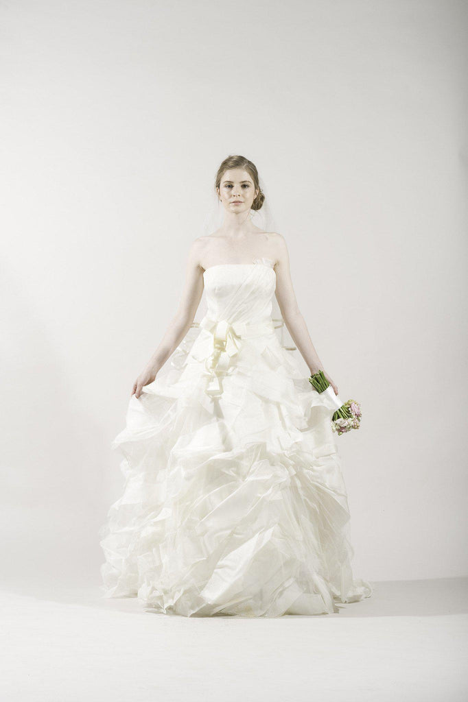 Vera Wang 'Deidre' Ivory Strapless Tulle Gown - Vera Wang - Nearly Newlywed Bridal Boutique - 1