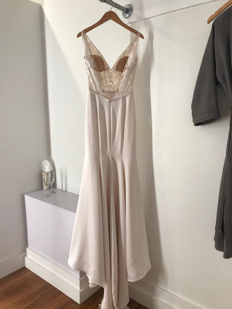 Paloma Blanca '4787' size 6 new wedding dress back view on hanger