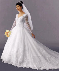 Oleg Cassini '7324' - Oleg Cassini - Nearly Newlywed Bridal Boutique - 1