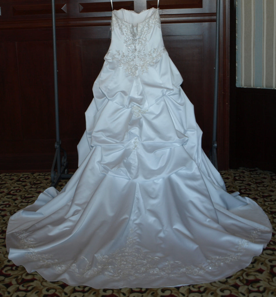 David\'s Bridal \'WG3239\' size 14 used wedding dress - Nearly Newlywed
