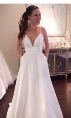 Custom 'McCant' - Custom made - Nearly Newlywed Bridal Boutique - 4