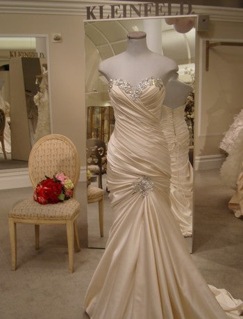 Pnina Tornai 'Ruched Mermaid' size 10 used wedding dress front view on mannequin