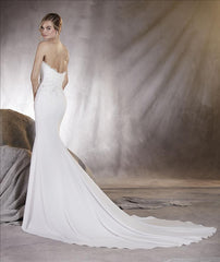 Pronovias 'Alicia' size 8 sample wedding dress back view on model