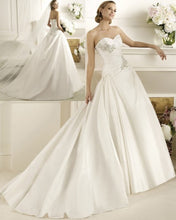 Load image into Gallery viewer, Pronovias 'Dracma' - Pronovias - Nearly Newlywed Bridal Boutique - 1