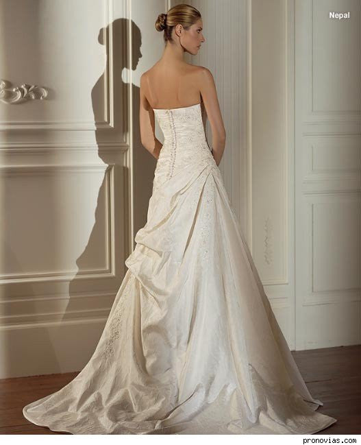 Pronovias 'Nepal' - Pronovias - Nearly Newlywed Bridal Boutique - 1