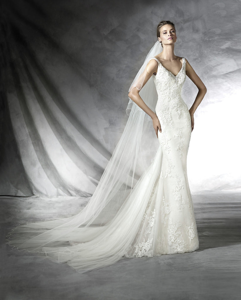 Pronovias 'Prosa' size 12 sample wedding dress front view on model