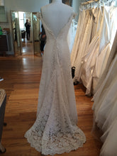 Load image into Gallery viewer, Angel Sanchez 'N001' - Angel Sanchez - Nearly Newlywed Bridal Boutique - 4