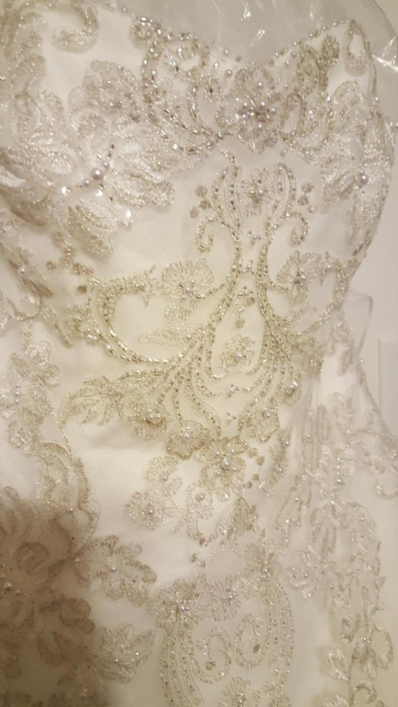 Jewel 'WG3729'  size 10 new wedding dress view of material