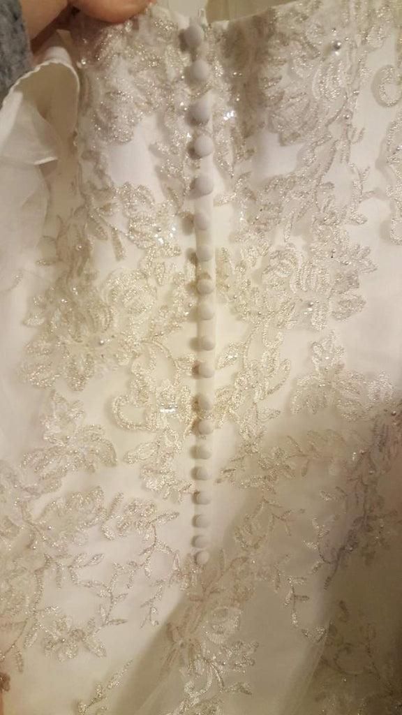 Jewel 'WG3729'  size 10 new wedding dress view of back buttons