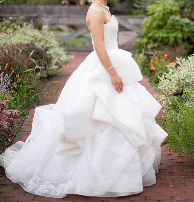 Vera Wang 'Katherine' with Lace Detail and Extended Train - Vera Wang - Nearly Newlywed Bridal Boutique - 6