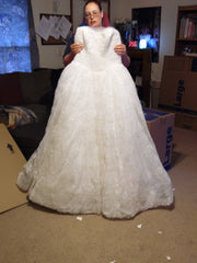 Vera Wang White 'Ball Gown' size 14 new wedding dress front view