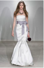 Load image into Gallery viewer, Vera Wang 'Ethel' - Vera Wang - Nearly Newlywed Bridal Boutique - 1