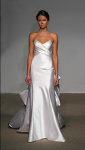 Load image into Gallery viewer, Ulla Maija 'Felicite' - Ulla Maija - Nearly Newlywed Bridal Boutique - 3