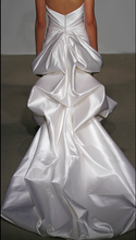 Load image into Gallery viewer, Ulla Maija 'Felicite' - Ulla Maija - Nearly Newlywed Bridal Boutique - 4