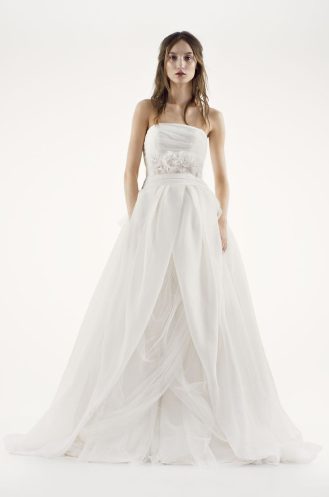 843396867f2 Vera Wang White  Textured Organza  size 8 used wedding dress front view ...