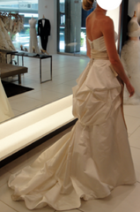 Monique Lhuillier 'Skye' - Monique Lhuillier - Nearly Newlywed Bridal Boutique - 8