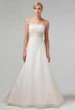 Load image into Gallery viewer, Monique Lhuillier 'Bliss' 0902 Wedding Dress - Monique Lhuillier - Nearly Newlywed Bridal Boutique - 1