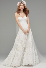 Load image into Gallery viewer, Watters 'Lyric 3012B' size 12 used wedding dress front view on model